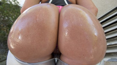 valerie-luxe-amazing-bubble-butt05